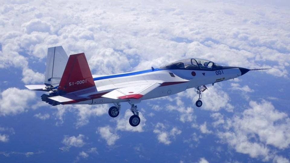 1475607317-x-2-first-flight