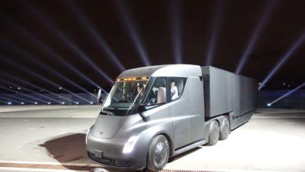Tesla-Semi-Truck-Specs-Event-7-620x350
