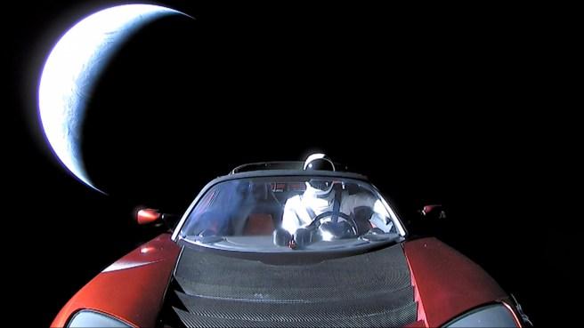 tesla-uzay-4