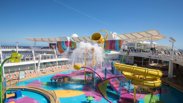http_cdn.cnn.comcnnnextdamassets180411105946-symphony-of-the-seas---splash-away-bay