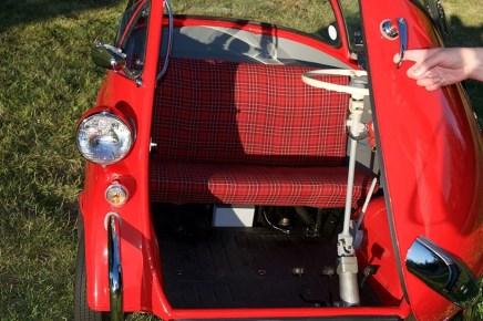 1956-BMW-isetta-300-bubble-car-m6