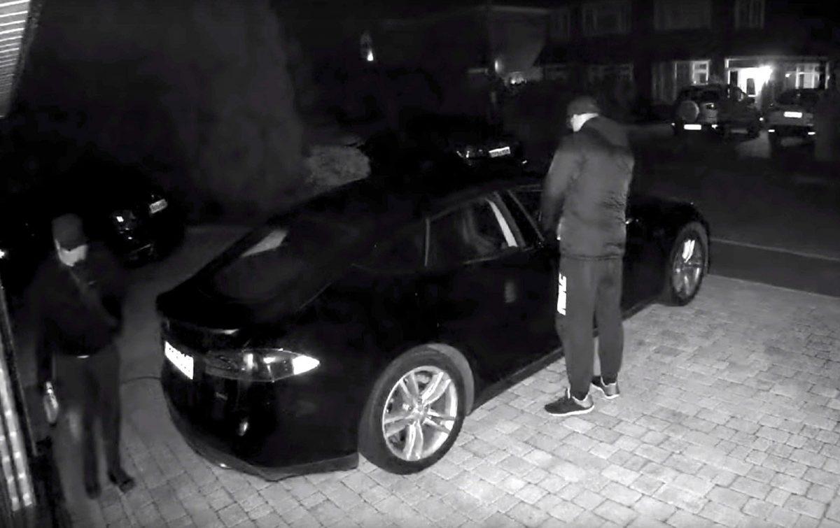 Hırsızlar bir Tesla Model S'i 'hackleyerek' çaldı