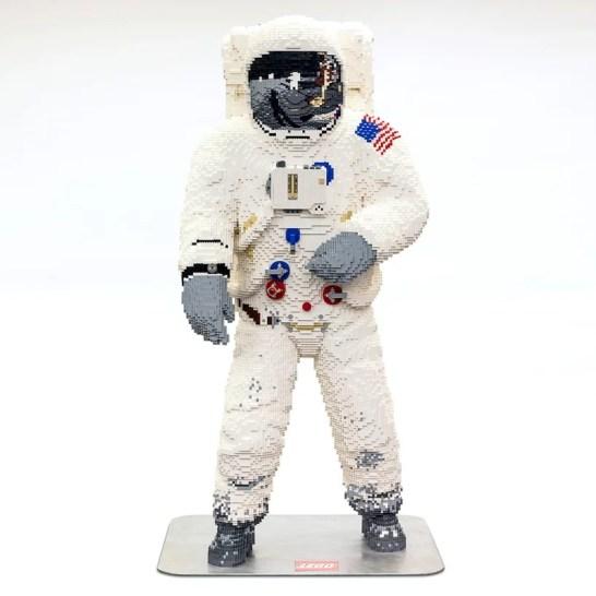 lego-buzz-aldrin-spacesuit-apollo-50-festival-designboom-1
