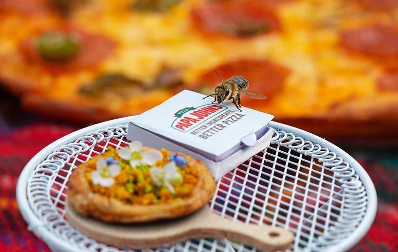 papa-john-mini-pizza-bees-designboom-01