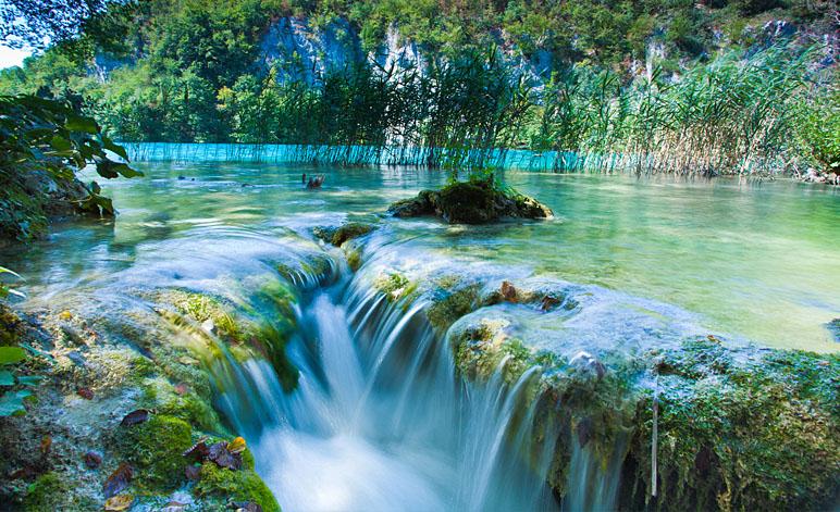 Plitvice-lakes-national-park-falls