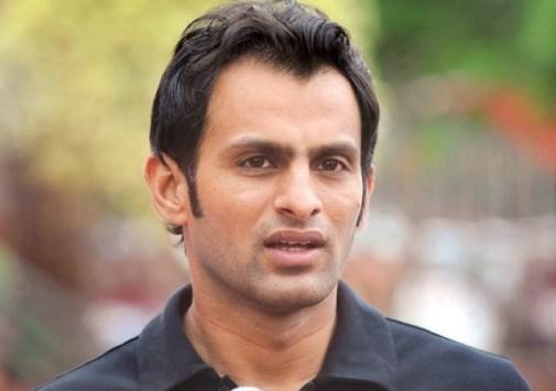 Dauran e Match Par Shoaib Malik Aur Tino Best Par Jurmana Aaid