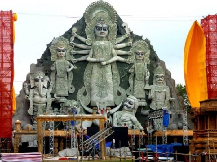 biggest durga idol