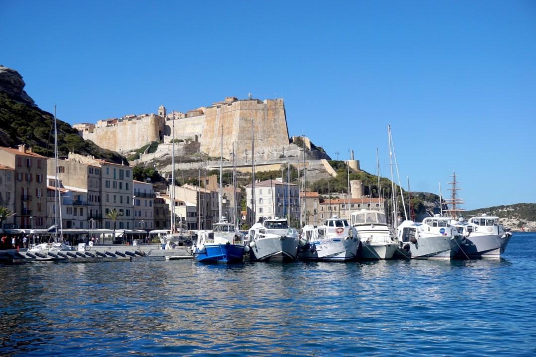 Bonifacio road trip corse 6 du talon au crampon for Restaurant bonifacio port