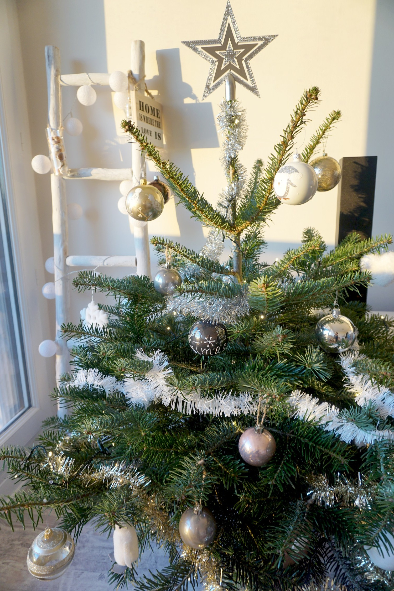 notre-sapin-2016-noel-cocooning-blanc-gold-bordeaux-blog-couple-17