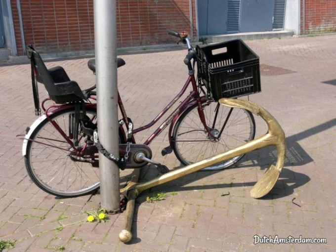 Locked bike with anchor
