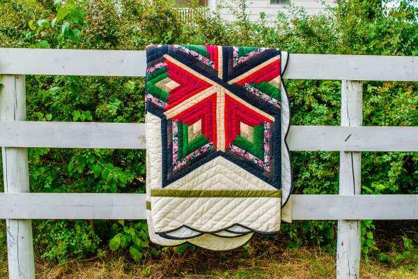 Amish and Mennonite Made Quilts – Farmhouse Flavors/Star of Wonder with scalloped border