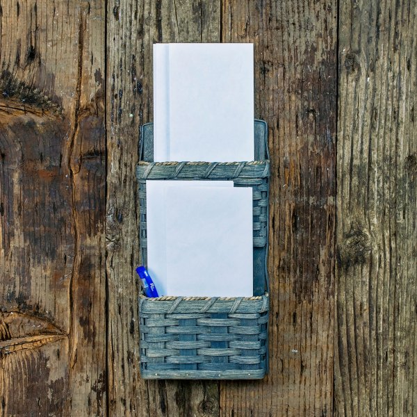 2 Pocket Mail Basket Gray