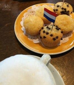 Knus Muffins & Coffee