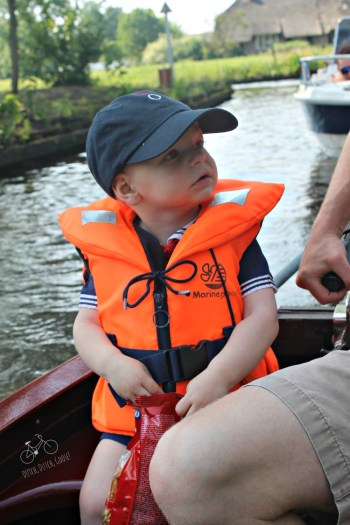 Kids on Boat in Geithoorn