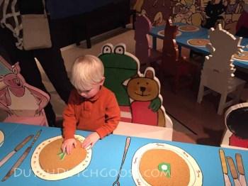 kinder-book-museum-frog