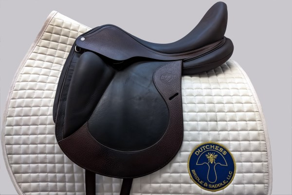 Antares dressage saddle with nubuck leather