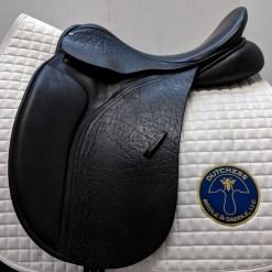 County Saddlery Connection dressage saddle