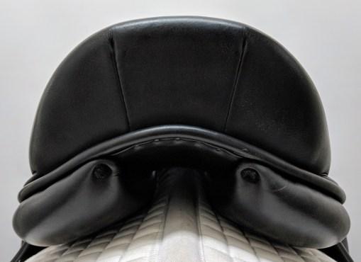 Luc Childeric monoflap dressage saddle cantle