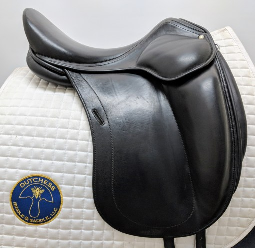 Used Luc Childeric DAC monoflap dressage saddle, right side profile view