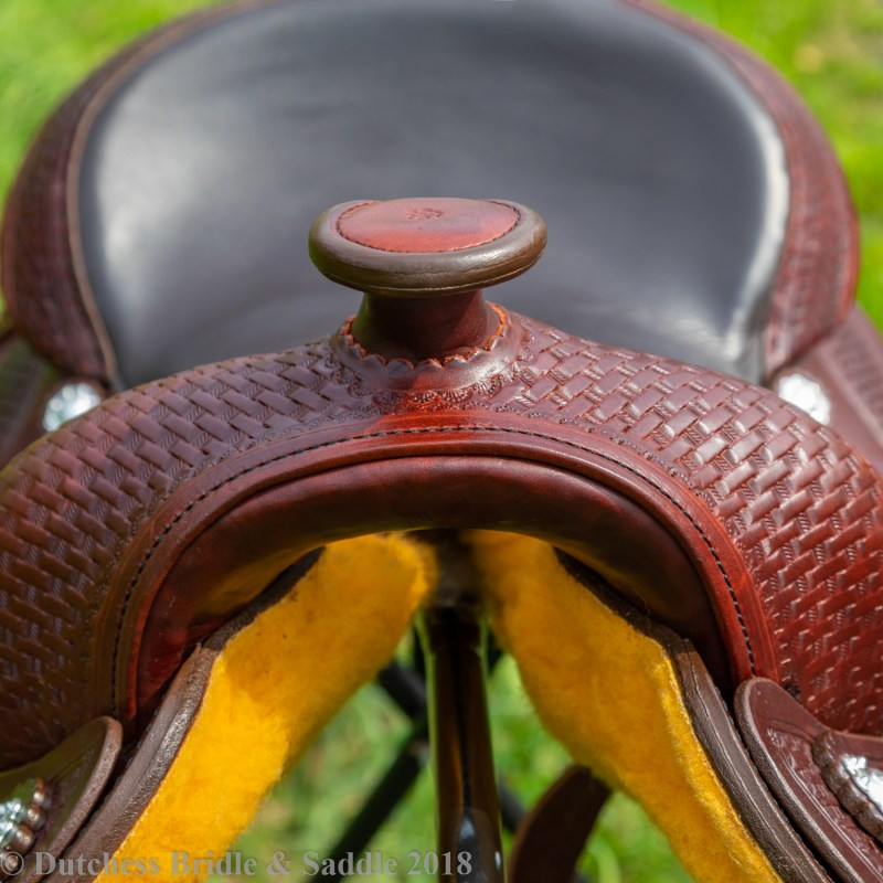 Crates Classic trail saddle horn