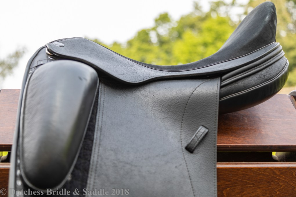 Veritas Libero dressage saddle demo seat