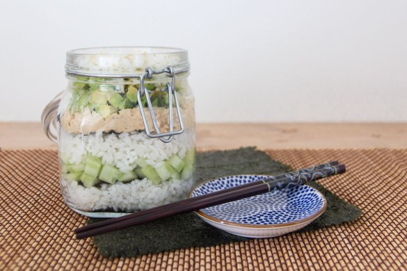 sushi salade in a jar