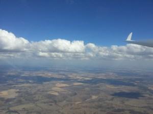 vliegen boven het australische landschap