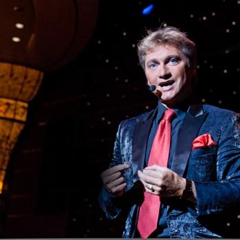 magische presentatie door goochelaar Ronald Moray
