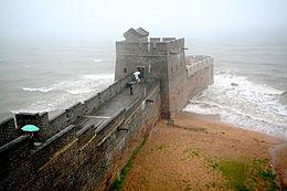 Het oostelijke einde van de muur bij Shanhaiguan