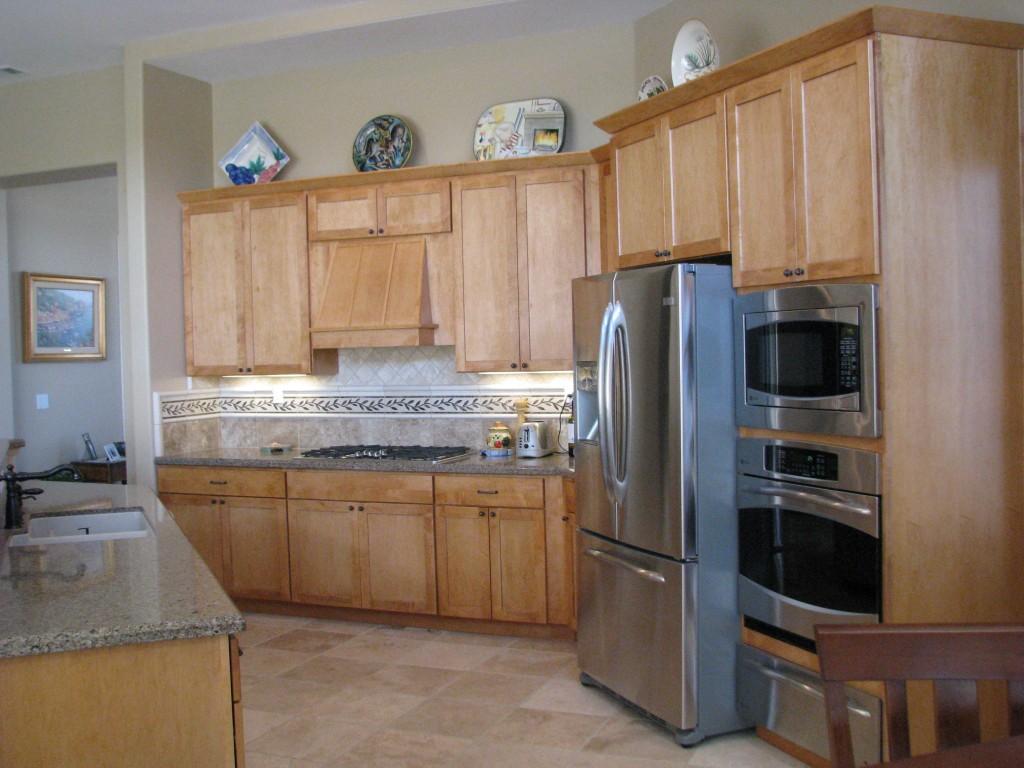 Kitchen Remodeling | Dutton Kitchen & Bath Vacaville ... on Modern Kitchen Backsplash With Maple Cabinets  id=40338