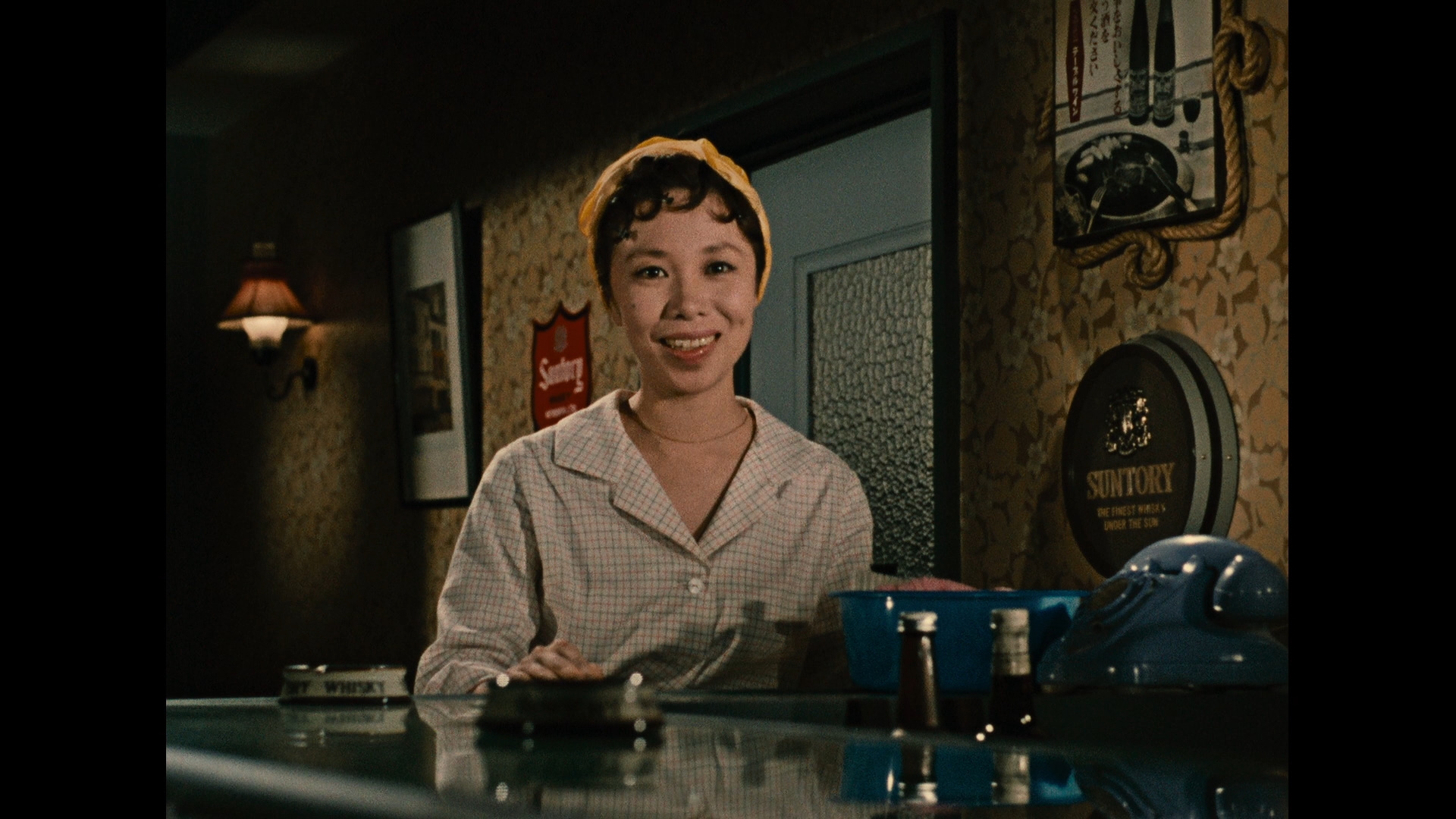 https://i1.wp.com/www.dvdbeaver.com/film5/blu-ray_reviews_65/an_autumn_afternoon_blu-ray_/large/large_autumn_afternoon_02_blu-ray_.jpg