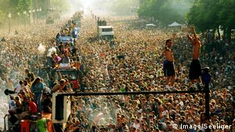 The Loveparade in Berlin, 1997, Copyright: imago