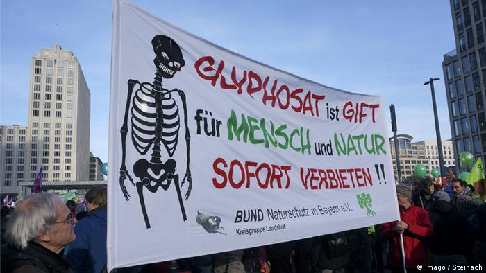 Protest in Berlin against the glyphosate