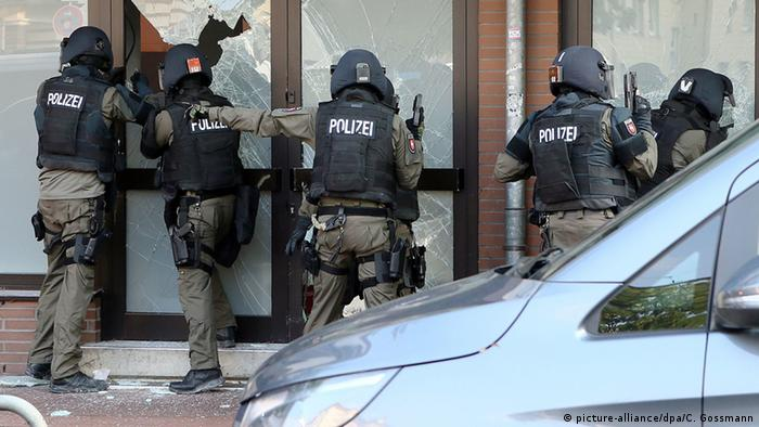 Police carrying out a raid in Hildesheim