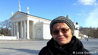 Luise Quietsch in front of the Vilnius cathedral (Photo: Luise Quietsch via Monika Griebeler)