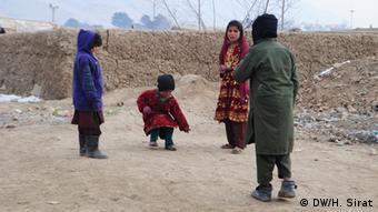Binnenflüchtlinge in Kabul (DW/H. Sirat)
