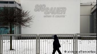 Symbolbild Illegale Exporte Waffenfirma Sig Sauer