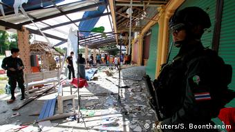 Thailand attack in Songkhla (Reuters/S. Boonthanom)