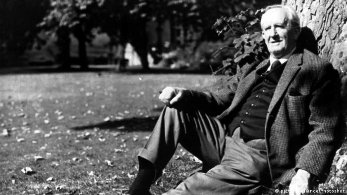 J.R.R. TOLKIEN(Professor John Ronald Reuel Tolkien) British... (picture-alliance/Photoshot)