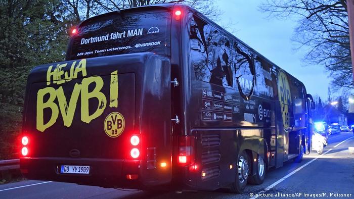 Borussia Dortmund Teambus nach Explosionen (picture-alliance/AP Images/M. Meissner)