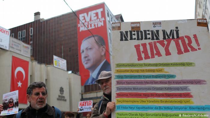 Nein zu Erdogan Istanbul (Reuters/H.Aldemir)