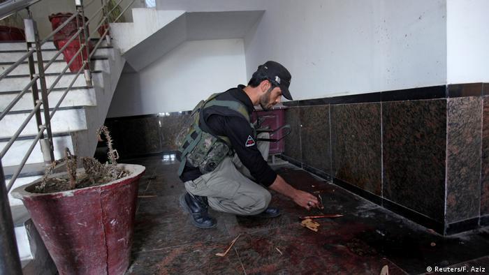 Pakistan   Student Mashal Khan von Kommilitonen glyncht wegen angeblich blasphemischen Äußerungen (Reuters/F. Aziz)