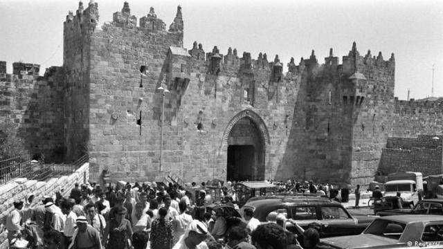 Jerusalem 1967 Damascus Gate (Reuters /)