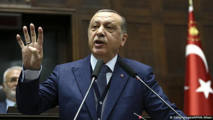 Türkei Präsident Erdogan Rede Parteitag AKP (Getty Images/AFP/A. Altan)