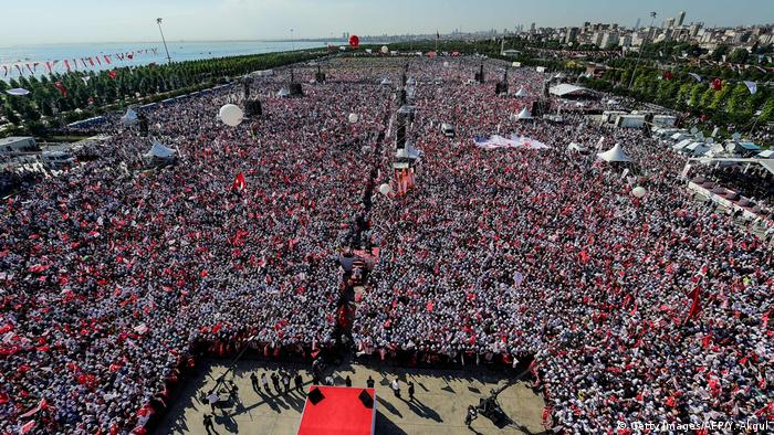 Türkei Protest der Oppositionspartei CHP in Istanbul (Getty Images/AFP/Y. Akgul)