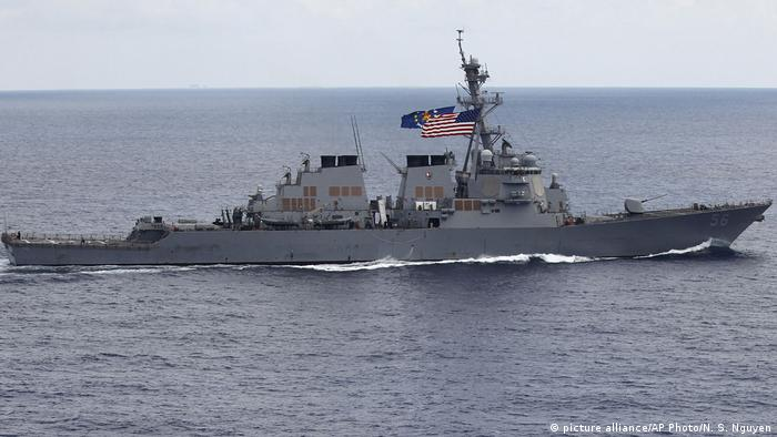 US destroyer in the South China Sea