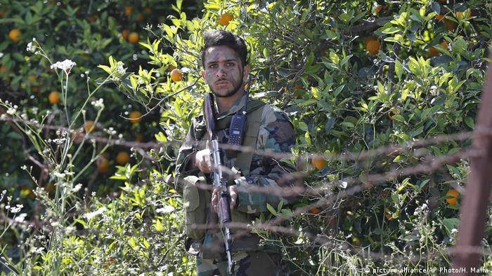 Hezbollah fighter (picture-alliance/AP Photo/H. Malla)