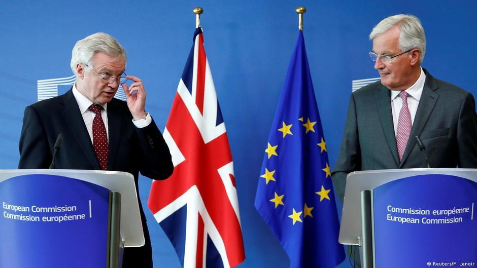 Belgien Brüssel - David Davis und Michel Barnier: Pressekonferenz zu Brexitverhandlungen