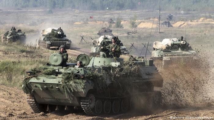 Tank drills at Zapad