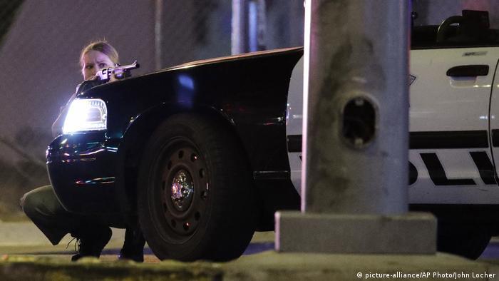 USA Schießerei in Las Vegas (picture-alliance/AP Photo/John Locher)